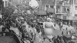 a visual history of the macy s thanksgiving day parade balloons