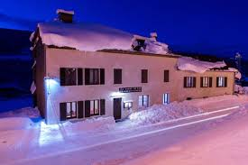 chambre d hote lelex pomme de pin à lé chambres d hôtes gîte et locations de skis
