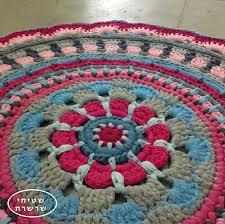 Crochet Tshirt Rug Pattern 49 Best Tapetes Crochê Images On Pinterest Carpets Mandalas And