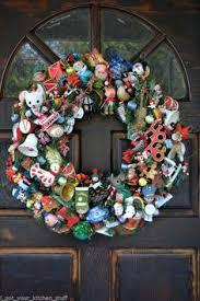 vintage heirloom christmas ornament wreath colorful 24