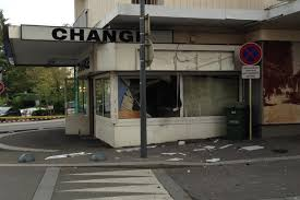 bureau de change suisse douane de moillesulaz des individus attaquent un bureau de change à