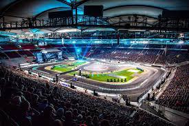 mercedes stuttgart stars u0026 cars 2015 rocks mercedes benz arena in stuttgart gtspirit