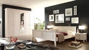 Schlafzimmer Dekorieren Landhausstil Schlafzimmer Deko Gepolsterte On Moderne Ideen