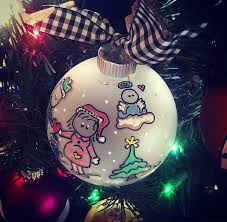 family ornament with baby personalized ornament dealing