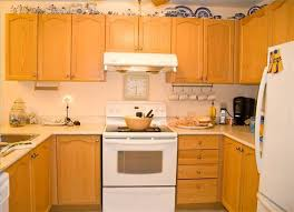 how to remove grease from kitchen cabinets how to remove grease from cabinet doors hunker