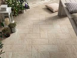 piastrelle balcone esterno pavimenti per terrazzo gres porcellanato id礬es de design d int礬rieur