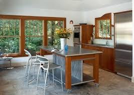 table de cuisine amovible cuisines cuisine avec ilôt central amovible qui sert de bar