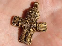 1 100 y o crucifix bearing image of jesus found in denmark shows