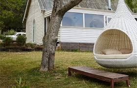 siege suspendu jardin sélection de fauteuils suspendus en rotin pour le jardin ou le salon