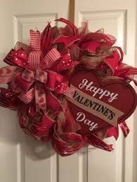 valentines day wreaths 15 striking wreath ideas for s day wreaths ruffles