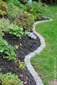 most people struggle with perfect garden borders but this idea is