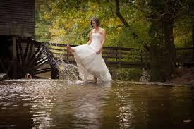 wedding dress photography free trash the dress shoot atlanta artistic wedding photographer