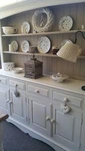 huge thanks to jane allison for showing us this dresser she