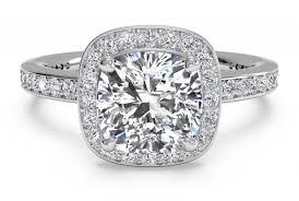 the great gatsby engagement ring worn by daisy buchanan ritani