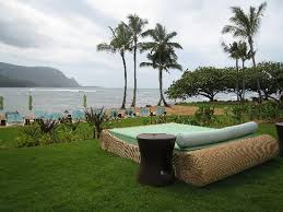 i love the free beds available at the pool and beach area