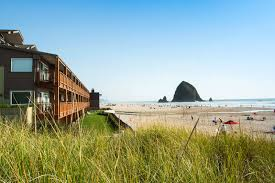 oceanfront hotel in cannon beach oregon surfsand resort
