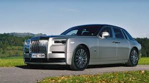 phantom roll royce eighth generation rolls royce phantom is opulent serenity on wheels
