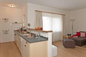küche im wohnzimmer haus offene wohnküche mit wohnzimmer küche 10 amocasio