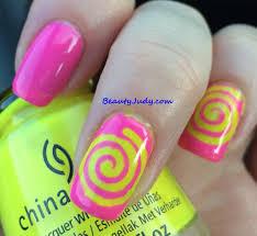 psychedelic summer nail look beautyjudy