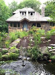 Cottage Curb Appeal - creative blogger outdoor spaces