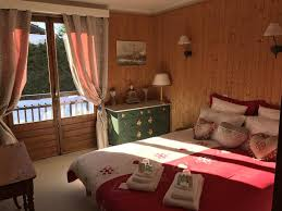 chambres d hotes megeve bed and breakfast chambres d hôtes le petit rochebrune megève