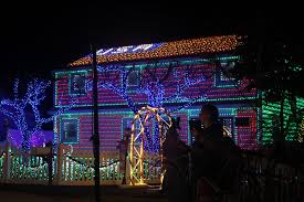 House Christmas Lights by Stamford Home Shines On Abc U0027s U0027christmas Light Fight