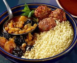cuisiner des boulettes de viande couscous fassi aux fruits secs et boulettes de viande recette tipiak