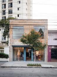 arquitetura designed a boutique around a luxuriant indoor garden