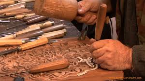 the process of wood carving the arabesque