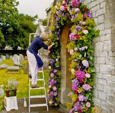 wedding flower arches uk nicky llewellyn flowers with a lively imagination who relishes a