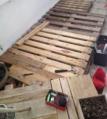 terasse en palette diy réaliser une terrasse avec des palettes u2013 rise and shine