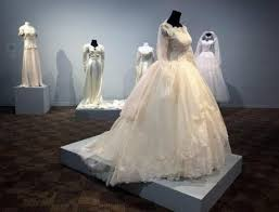 wedding dress quilt san jose wedding dress exhibit say yes at quilt museum the
