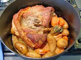 cuisiner rouelle de porc rouelle de porc rôtie en robe de moutarde pour début de printemps