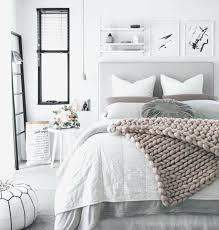 deco chambre et blanc deco chambre blanche deco chambre a plaid lit gris parure de