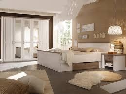 Schlafzimmer Schwarzes Bett Welche Wandfarbe Schlafzimmer Braun Beige Weiße Möbel Mxpweb Com