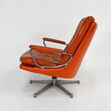 le de bureau orange fauteuil de bureau strässle en cuir orange et aluminium andre