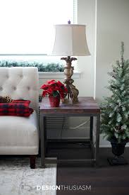 Christmas Decorating Ideas For Small Living Rooms 12 Easy Holiday Decorating Ideas For A Small Apartment