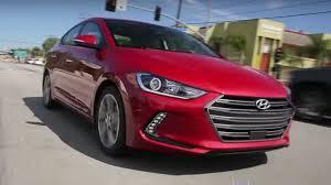 reviews hyundai elantra 2017 hyundai elantra review and road test