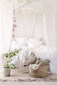 Curtain Ideas For Bedroom by 25 Best White Bedroom Curtains Ideas On Pinterest Bedroom