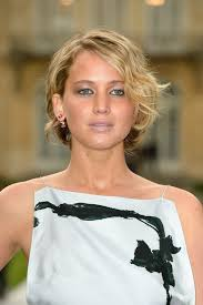 instructions for jennifer lawrece short haircut jennifer lawrence s fake tan makes her almost unrecognizable at