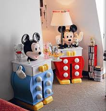 chambre mickey mouse visite privée chez yves gastou grand manitou du design galerie