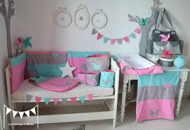 decoration chambre fille papillon décoration chambre bébé fille turquoise gris étoiles pois