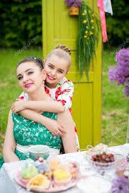 mere et fille cuisine mère et fille cuisine cupcakes photographie okskukuruza 122801356