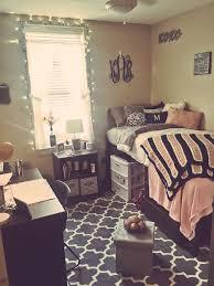 Cool Room Setups Best 25 Dorm Room Layouts Ideas On Pinterest Dorm Arrangement