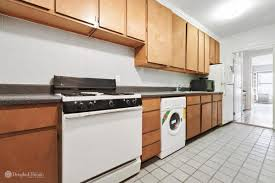 Manhattan Kitchen Design by 7 Manhattan One Bedrooms Asking Less Than 500 000 Curbed Ny