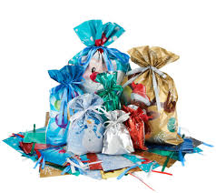 kringle express 72 piece e z drawstring holiday gift bag set