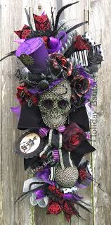 136 best october wreaths images on pinterest halloween wreaths