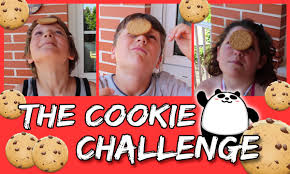 Challenge Reto The Cookie Challenge Reto De Comer Una Galleta Manos