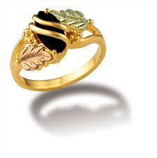 Black Hills Gold Wedding Rings by Landstroms Black Hills Gold Ladies Onyx Ring And Gold Leaves Lr2874