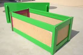 Diy Wooden Toy Box Plans by Diy Toy Box Peeinn Com